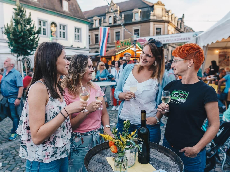 Weinfest groß © Chris Keller / STG