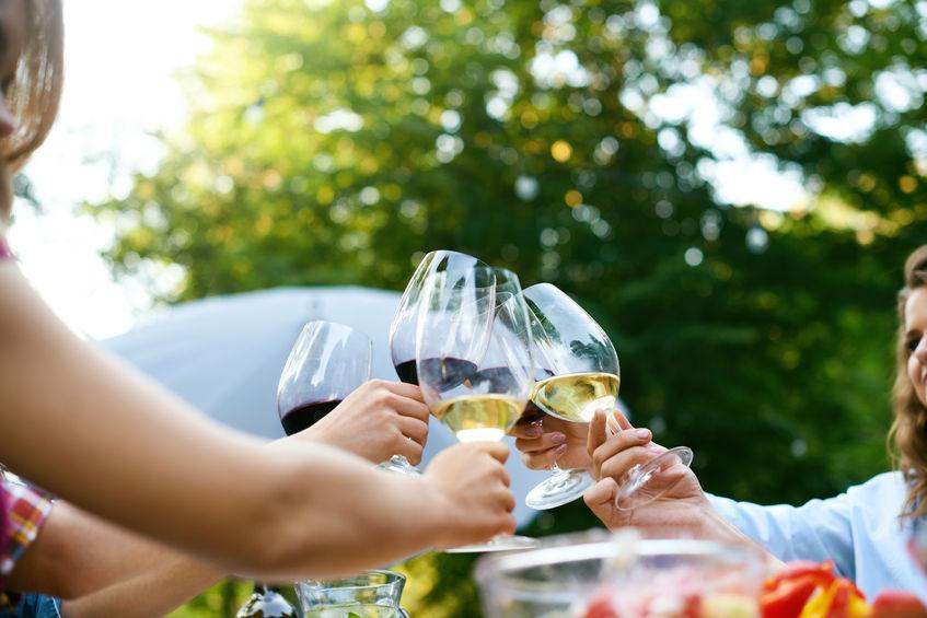 Weinfest feiern ©123RF