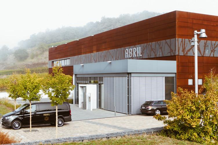 Außenaufnahme des Weingut Abril in Vogtsburg-Bischoffingen